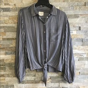 American Eagle tie at waist Button down Top